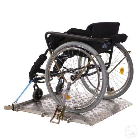 Подиум для фехтования на  инвалидных колясках